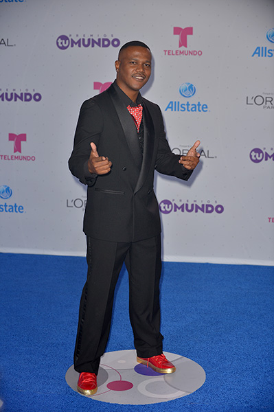 MIAMI, FL - AUGUST 25: Kevin Lyttle arrives at Telemundo's Premios Tu Mundo 'Your World' Awards at American Airlines Arena on August 25, 2016 in Miami, Florida. ( Photo by Johnny Louis / jlnphotography.com )