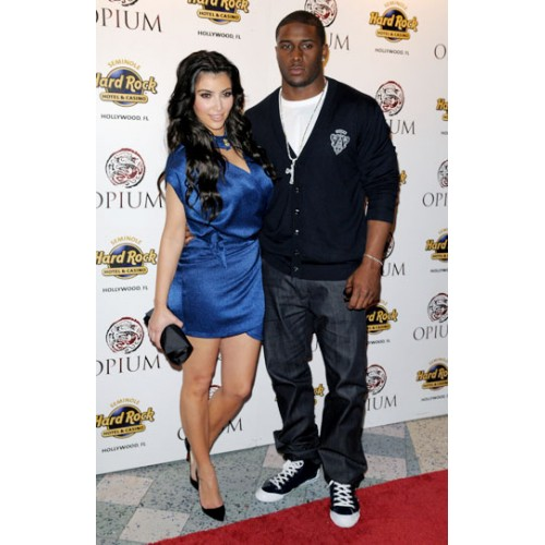Is love in the air again for Kim kardashian and Reggie Bush