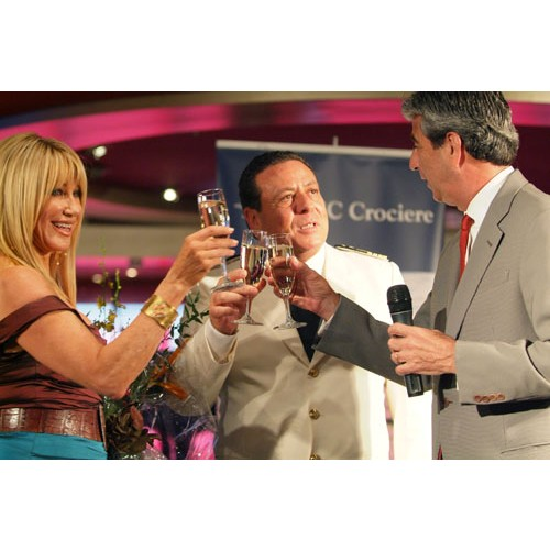 Photos: Suzanne Somers get a Royal welcome on board cruise ship