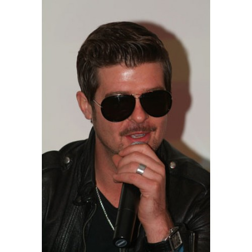 Photo: Robin Thicke on 'Sex Therapy'