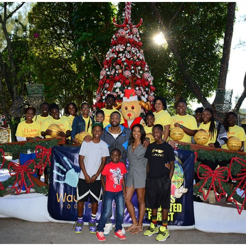 Dwyane Wade & Gabrielle Union Goes on a Fun-Filled Day With Area Families At Santa's Enchanted Forest