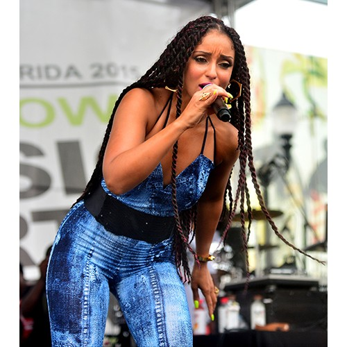 Mýa performing at the Overtown Music and Arts Festival