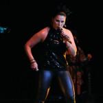 Olga Tañón perform for charity