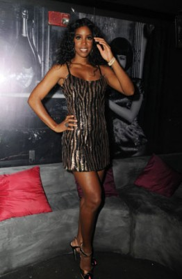 KELLY ROWLAND PERFORMS LIVE AT MYNT